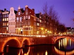 Városlátogatás egyénileg Amszterdamban ***