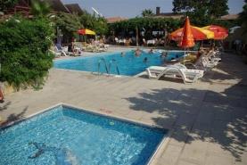 Leda Beach Hotel ***