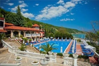 Villas Elenite ****