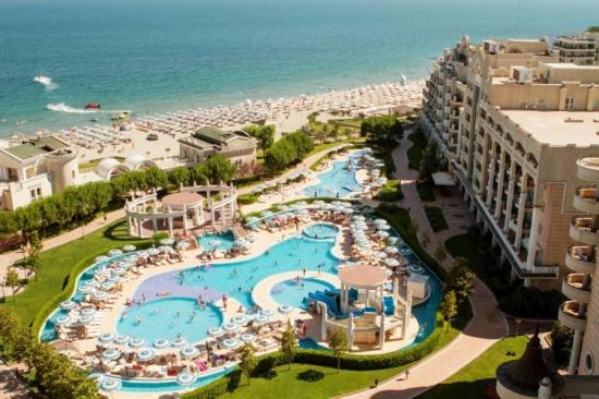 Sunset Resort *****