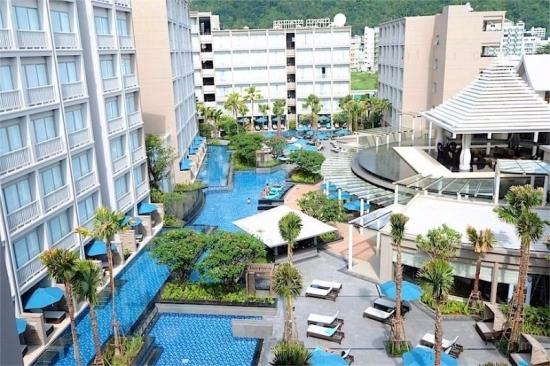 Bangkok **** 2 & 3éj és 7 & 9 & 12éj Grand Mercure Phuket Patong ***** Phuket