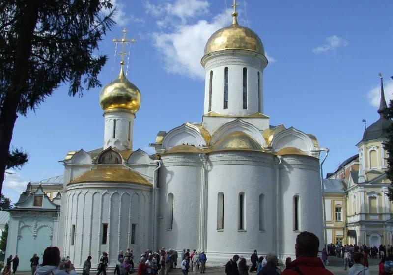 3cef692f58 Az orosz cárok fõvárosai 3*+ (Szentpétervár, Moszkva) - Oroszország ...